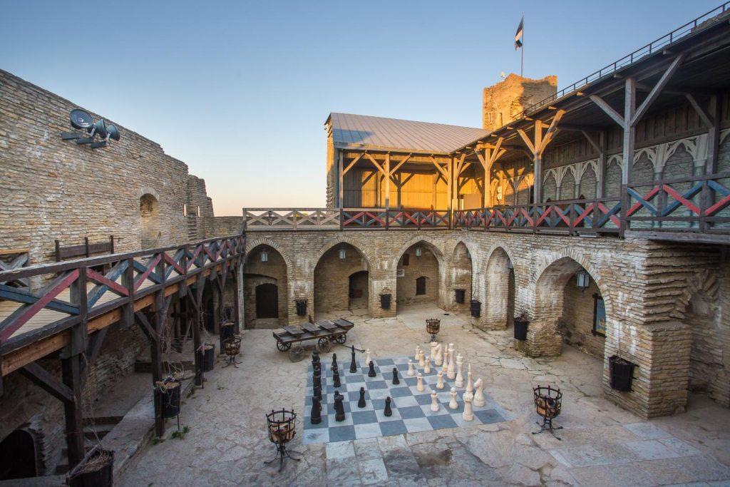 Шахматы замка Везенберг в Раквере
