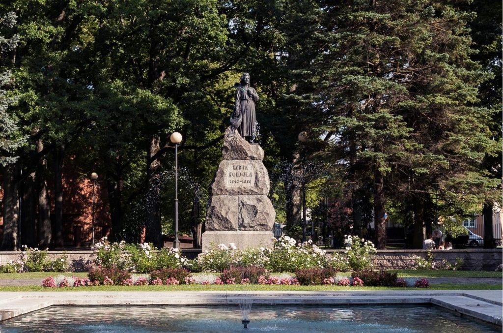 Парк и памятник Лидии Койдула