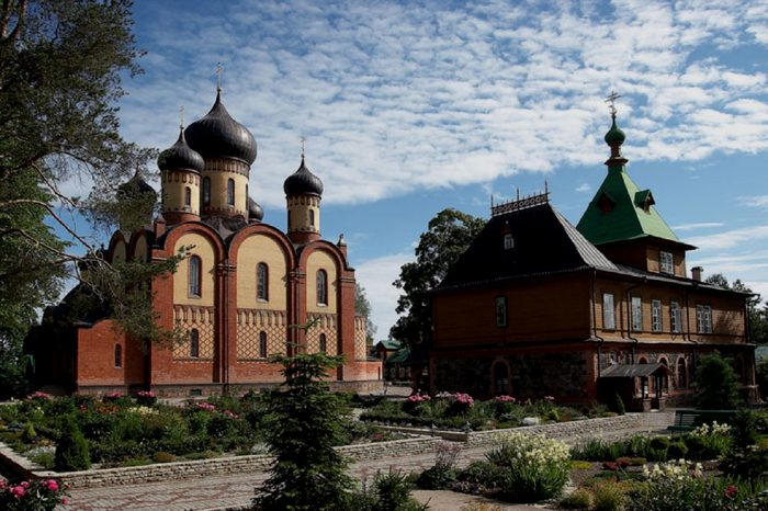 Тур в Пюхтицкий монастырь, 1 день
