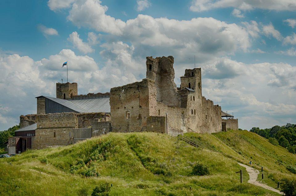 Замок Везенберг в Раквере