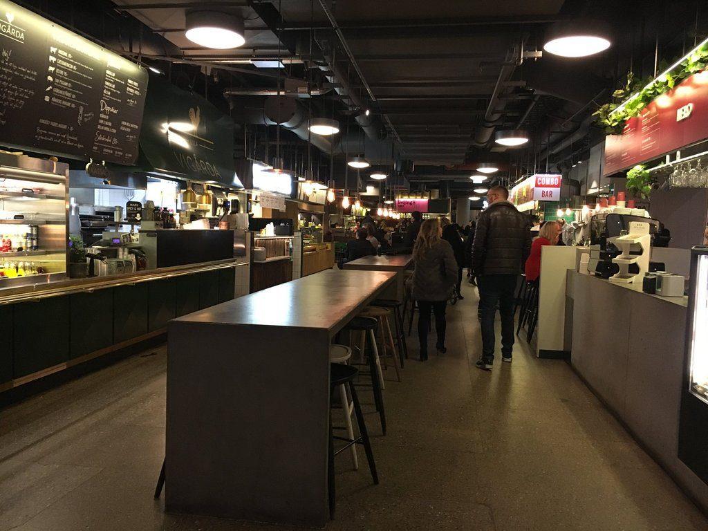 Блюда различных кухонь мира в K25 в Стокгольме