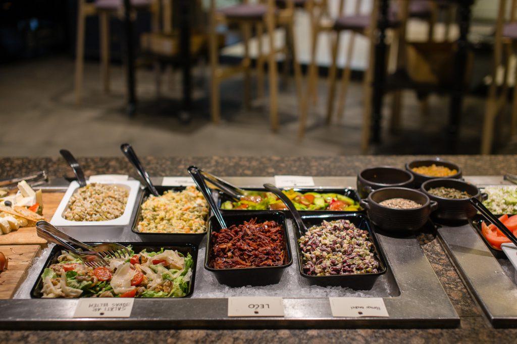 Салат-бары salatbar в супермаркетах Стокгольма