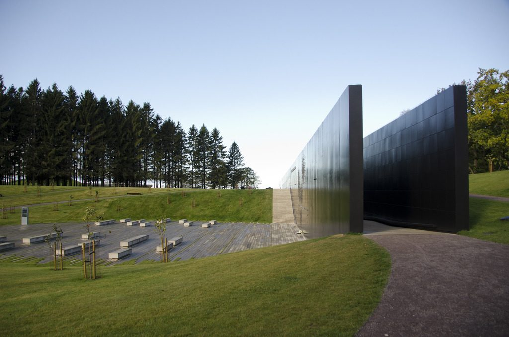 Мемориал Маарьямяэ в Таллине