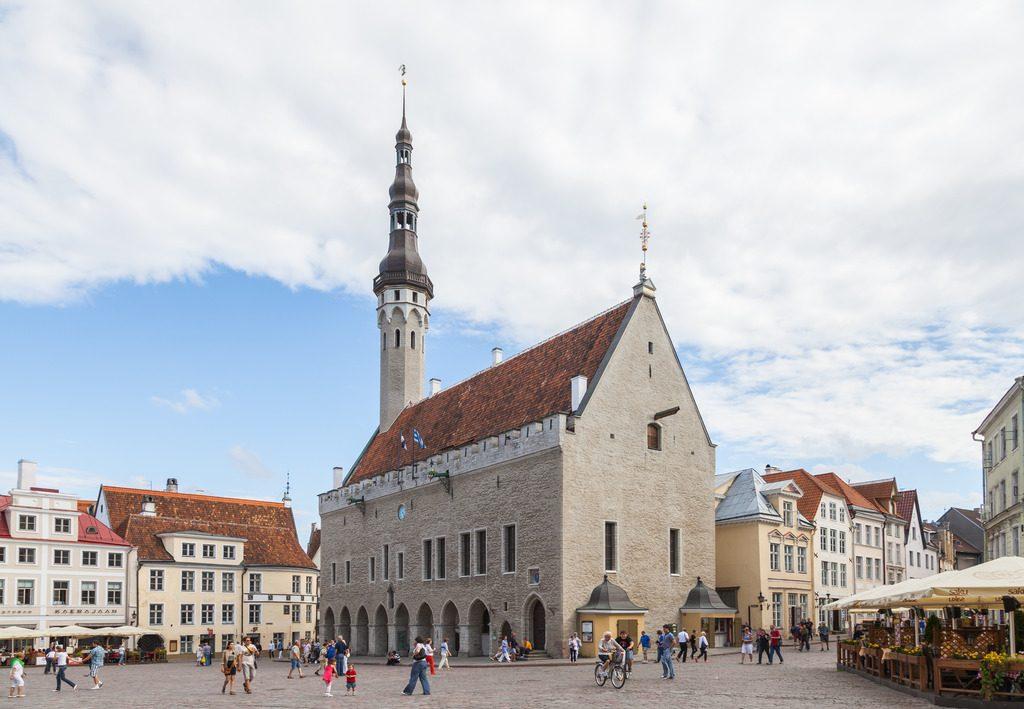 Ратушная башня и Старый Томас