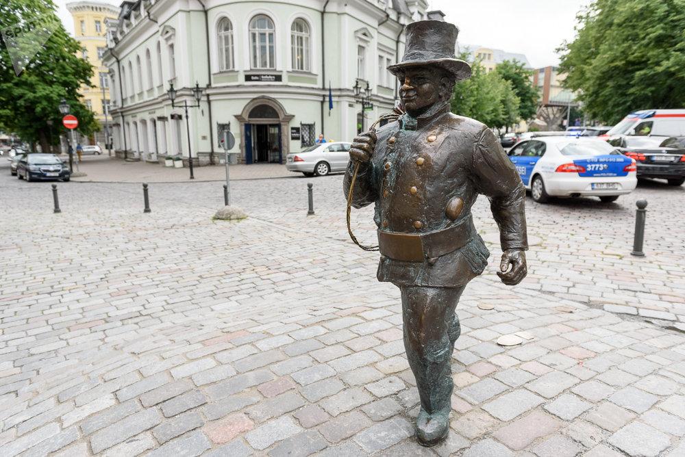 Скульптура Трубочиста в Таллине