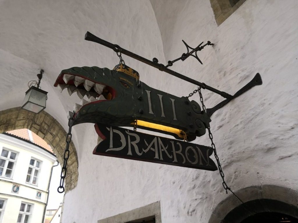 Средневековая корчма III Draakon