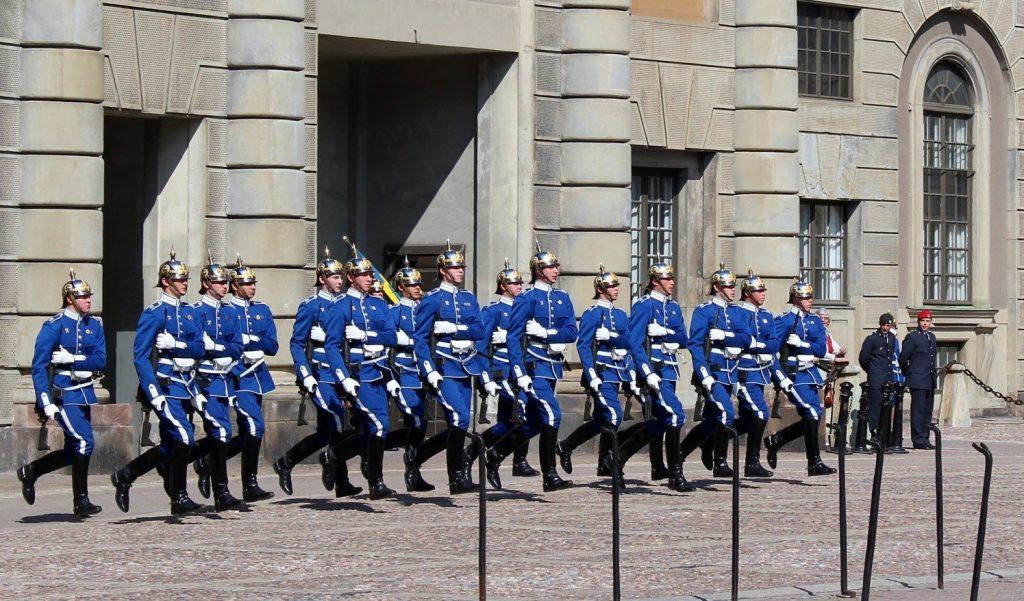 Смена караула в Королевском дворце в Стокгольме