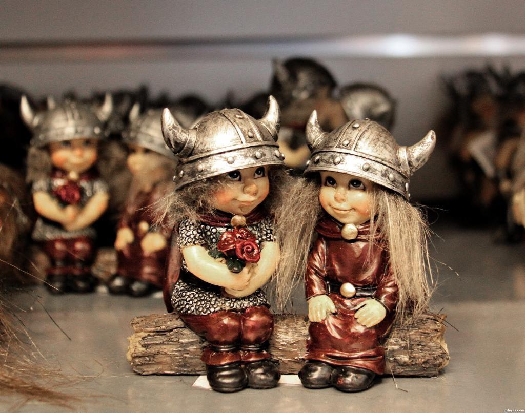 Фигурки викингов