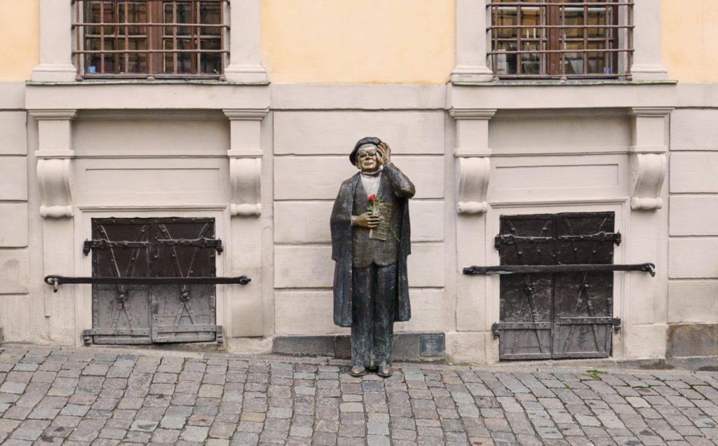 Памятник Эверту Таубе в Стокгольме