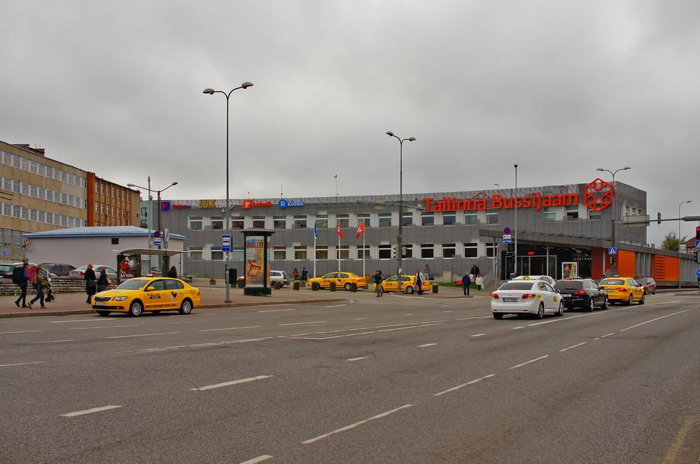 Парковка на автовокзале в Таллине