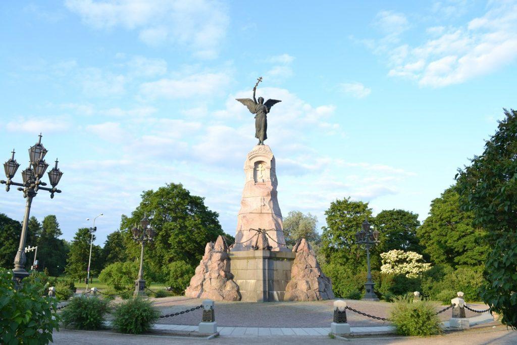 Памятник броненосцу «Русалка» в Таллине