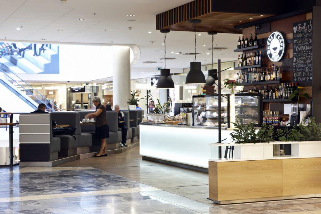 Кафе в торговом центре Viru